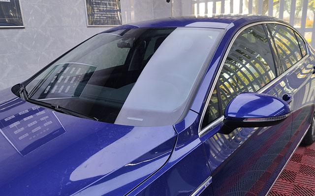 大众迈腾GTE装贴前挡威固V70侧后挡威固V40效果